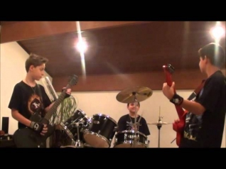 AC/DC (KIDS COVER) - HIGHWAY TO HELL