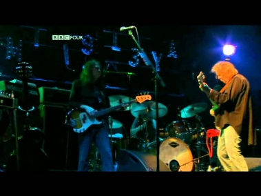 Neil Young - Words (Between The Lines Of Age) (Glastonbury 2009) HD